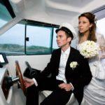 kāzu fotosesija jahtā