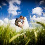 kāzu foto dabā