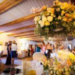 kāzas Dikļu stallī