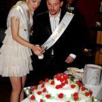 kāzu torte, tortes griešana