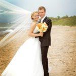 kāzu foto pie jūras