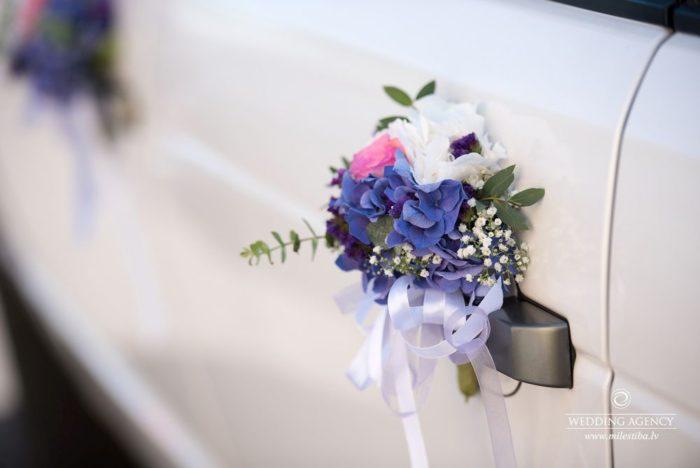 kāzu ziedu dekorācijas