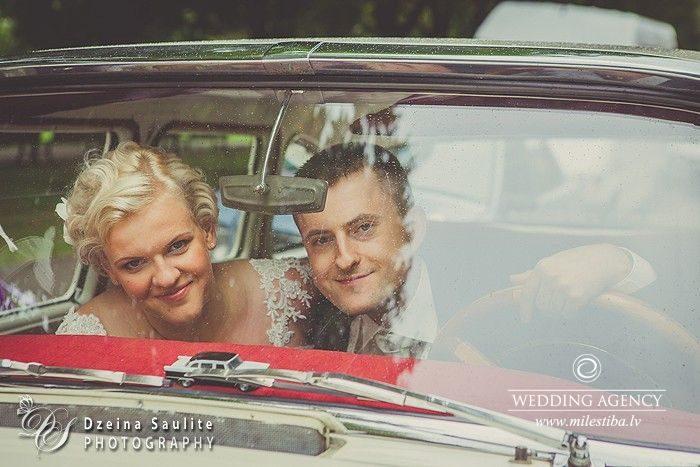 jaunais pāris, kāzu auto