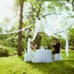 kāzu romantiskais galdiņš