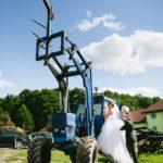 traktors kāzās