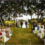 kāzu ceremonija dabā, kāzu arka
