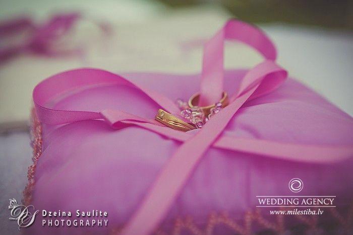 laulības gredzeni, kāzu gredzeni
