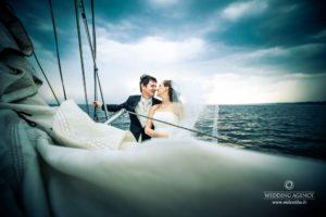 jahta kāzās, kāzu fotosesija jūrā