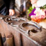 pakavi kāzās