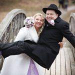 jautra kāzu fotosesija