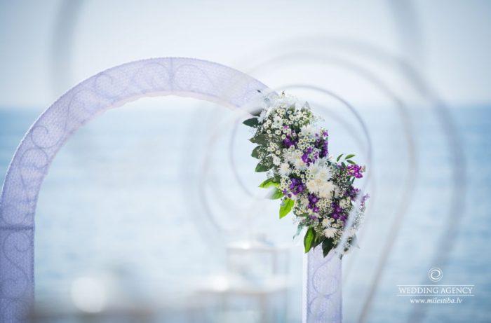 kāzu arkas dekorācijas