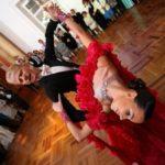 dejotāji kāzās