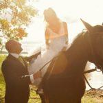 zirgi kāzās