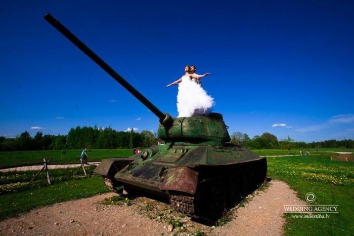 tanks kāzās