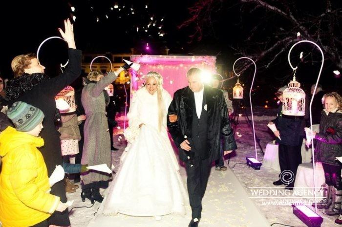 kāzu ceremonija ziemā