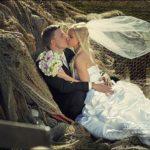 plīvurs kāzu fotosesijā