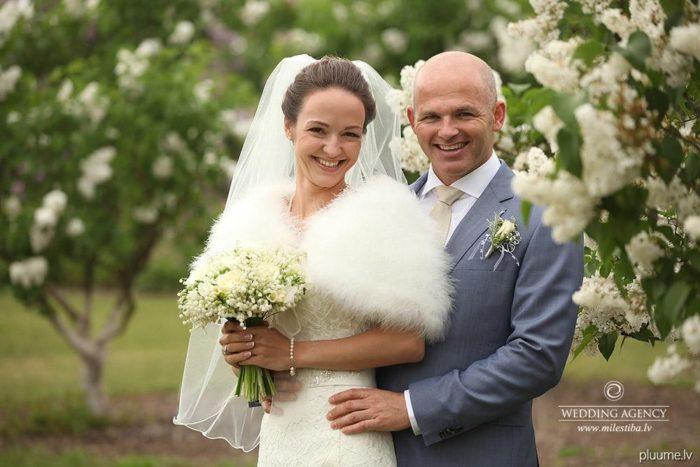 kanādieša un latvietes kāzas