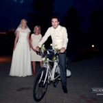 Kāzu svinību izklaides, ritenis kāzās, kāzas angļu valodā
