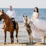kāzu izjāde ar zirgiem