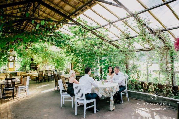Valmieras siltumnīca kāzas