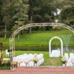 kāzu ceremonija brīvā dabā, laulību ceremonija brīvā dabā, kāzu noformējumi