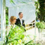 laulību ceremonija pie jūras