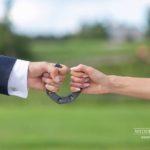 oriģināls kāzu foto, pakavs kāzās