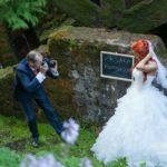 radoši kāzu fotosesiju noformējumi