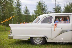 kāzu retro auto, oriģināls kāzu noformējums