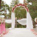 kāzu ceremonijas arka, kāzu floristika, Kāzu Aģentūra