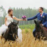 zirg fotosesijā, zirgi kāzās, Kāzu Aģentūra, milestiba.lv