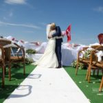 laulibu ceremonija uz kuģa, internacionālas kāzas