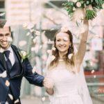 tikko precējušies, rožu lapiņas