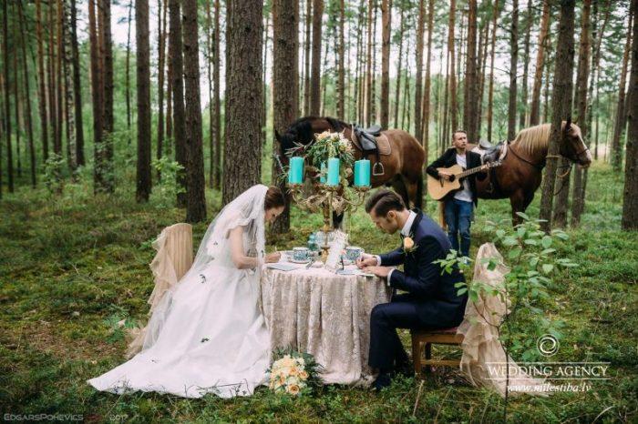 romantiskais galdiņš, tirkīza sveces