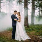 romantiskas kāzu fotogrāfijas