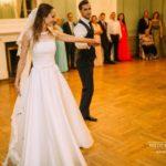 kāzu pirmā deja, kāzu kleita